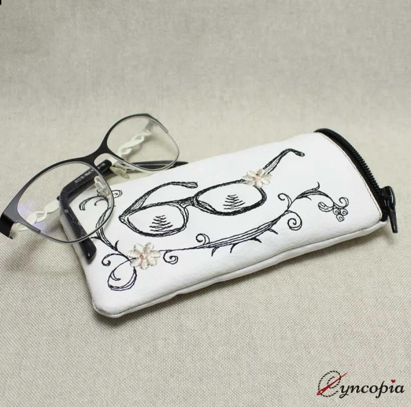 Embroidery Design ITH pouch Glasses case