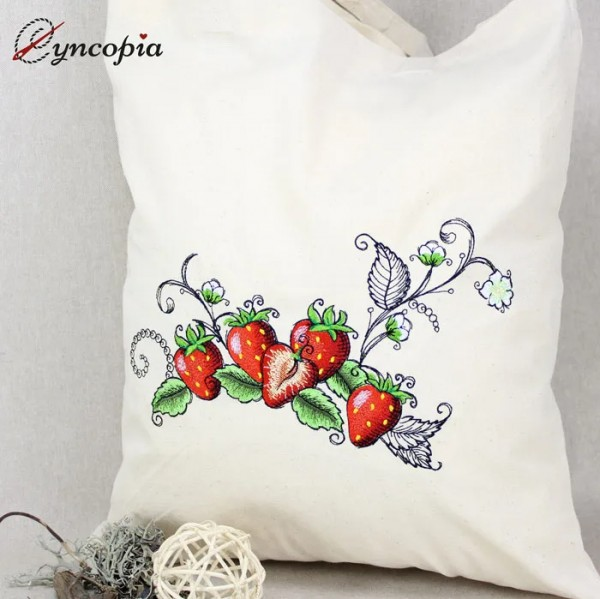 Embroidery Design Strawberries romantic