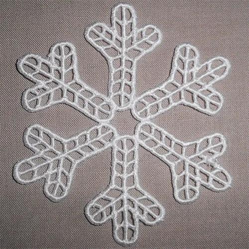 Snowflake-Lace-Cyncopia